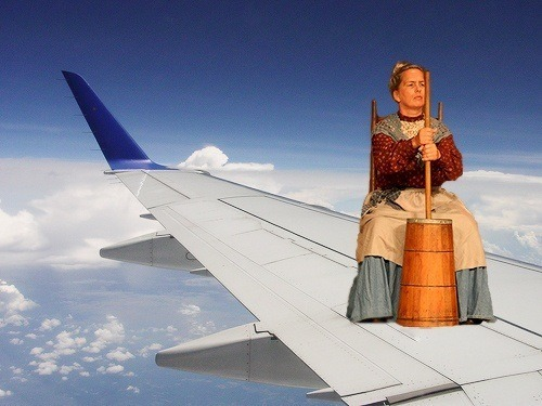 heidimattockss:  There's a colonial woman on the wing