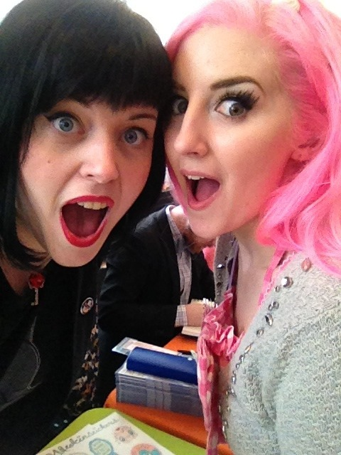 albinwonderland:  kateordie:  WHAT UP, INTERNET  LOOK I MET THAT GIRL FROM THE TUMBLR  my canadian bbgurlz~♡