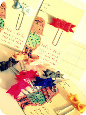 These little bookmarkers would make such a cute gift. Source: http://urbanwheelhouse.blogspot.com.