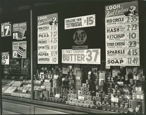 A & P (Great Atlantic & Pacific Tea Co.), 246 Third Avenue, Manhattan, March, 1936 Berenice Abbott