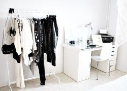 Fashion blogger Martina Cancellotti dreams.I would have this room. White is my favourite color for the interior design. I love the clothes too. And what's your room of your dream? I'm very curious to know what your things!