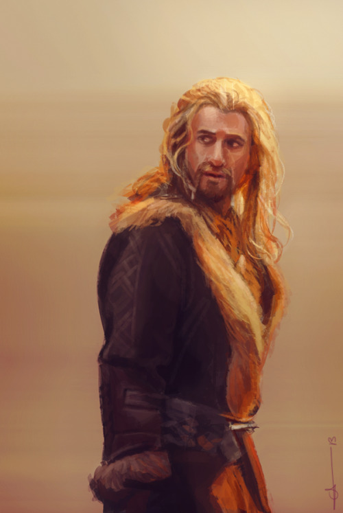 euclase:  A sketch of Fili for durinesque's birthday today. :)