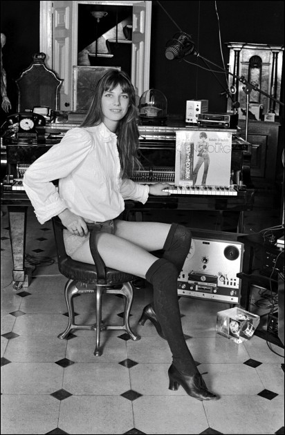 It doesn't get much hotter than Jane Birkin in knee-highs. :O