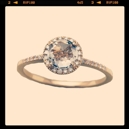 This is the kind of engagement ring I want. Just hinting it to my future fiancé whoever you may be.