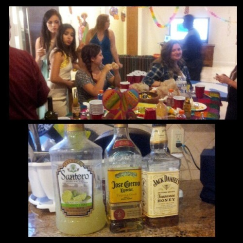 #birthdayparty #birthday #alcohol #drinking #drinks #Margarita #josecuervi #jackdaniels #honey #santoro #mix #yummy #food #friends #celebration
