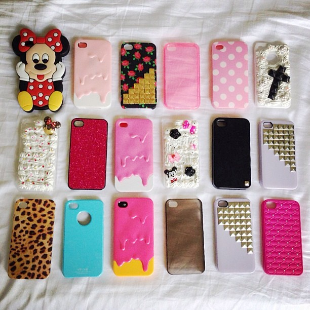 iPhone 4 Cases ♡🌸♡🌸♡🌸♡ $5-$10 Each  Let me know if you want one.