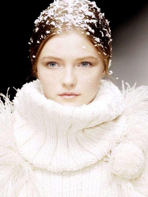 sfilate:  Vlada Roslyakova at D&G F/W 2006