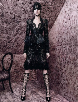 pinerosolanno:  Vogue Paris march 2012