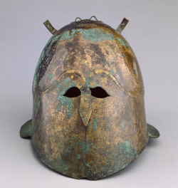 thegetty:  Did humans have eyes that close together in ancient times? Naaaah, this helmet is ceremonial, most like for a funerary purpose.Once adorned with horsehair, feathers or metal animal horns, this decorative helmet was certainly not functional. Did you notice the engraved ringlet curls at the helmet's 'hairline'? Helmet, 400 - 375B.C., Greek. J. Paul Getty Museum.