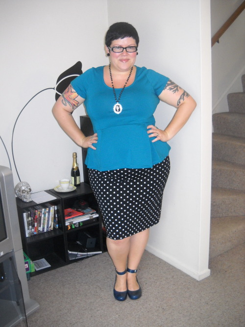 What I wore today … top - Dorothy Perkins, skirt - The Warehouse, shoes - The Overland, necklace - Twisted M.O.M, earrings - Domino Dollhouse