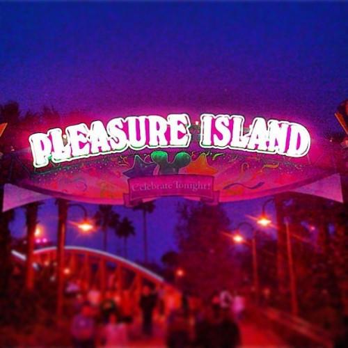 Actually #walt don't mind if I do! This is my kind of island!! #pleasureisland #downtowndisney #pleasure #island  (at Downtown Disney Pleasure Island)