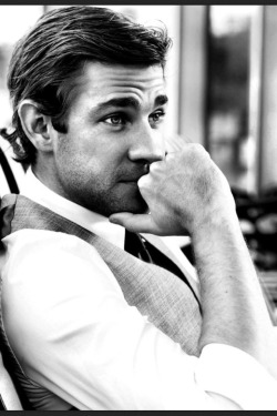 this-is-the-life-98:  John Krasinski You attractive man.