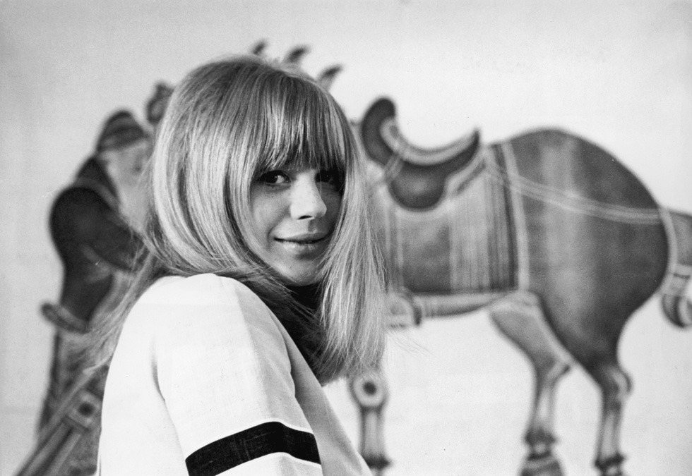b22-design:  Marianne Faithfull