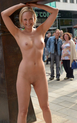 nudity-in-public: