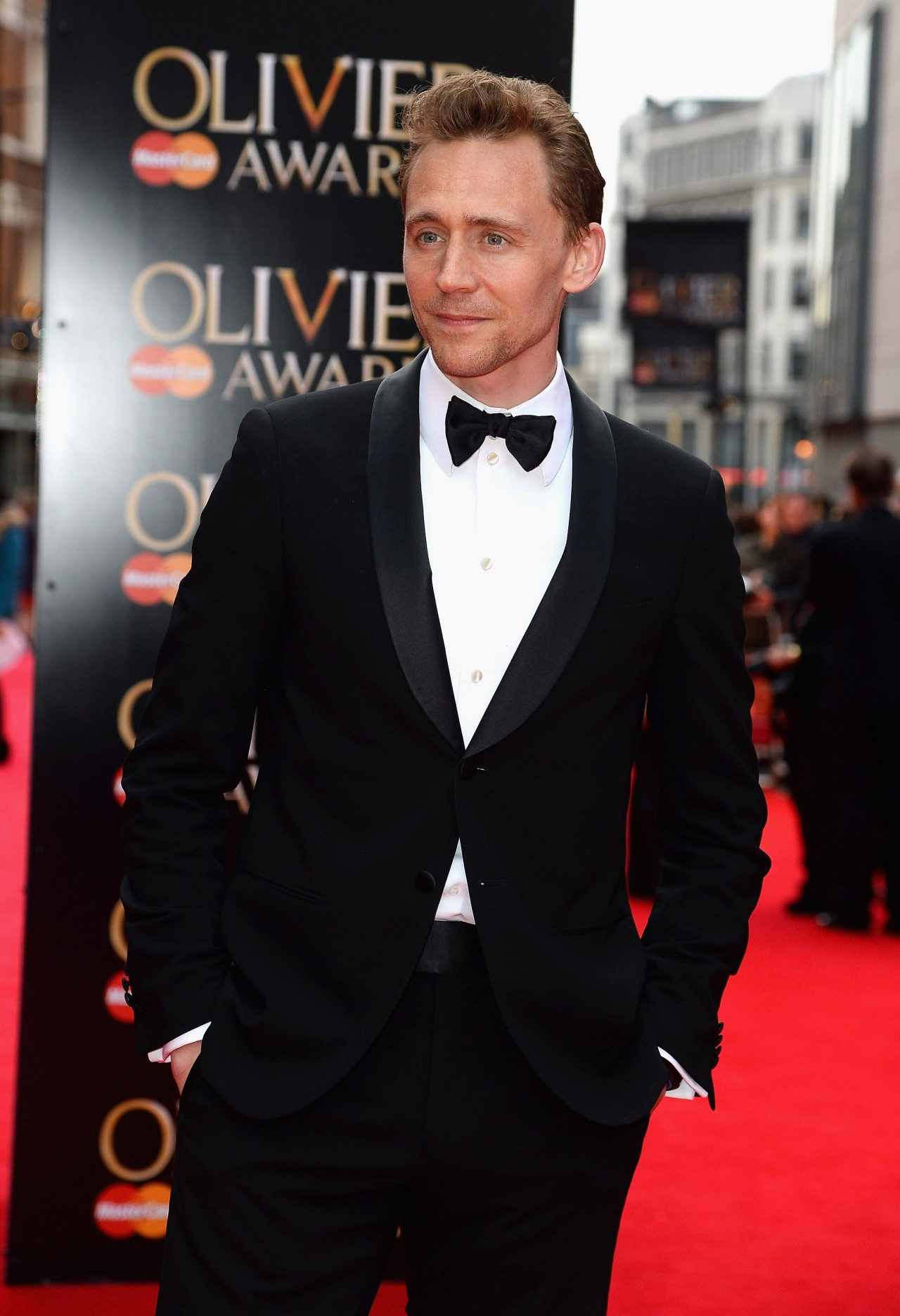 torrilla:  Tom Hiddleston arrives at The Laurence Olivier Awards 2013 at The Royal Opera House on April 28, 2013 in London, England [HQ]