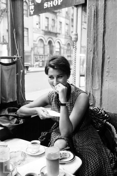 madame-elegante:     Sophia Loren,New York City,1958