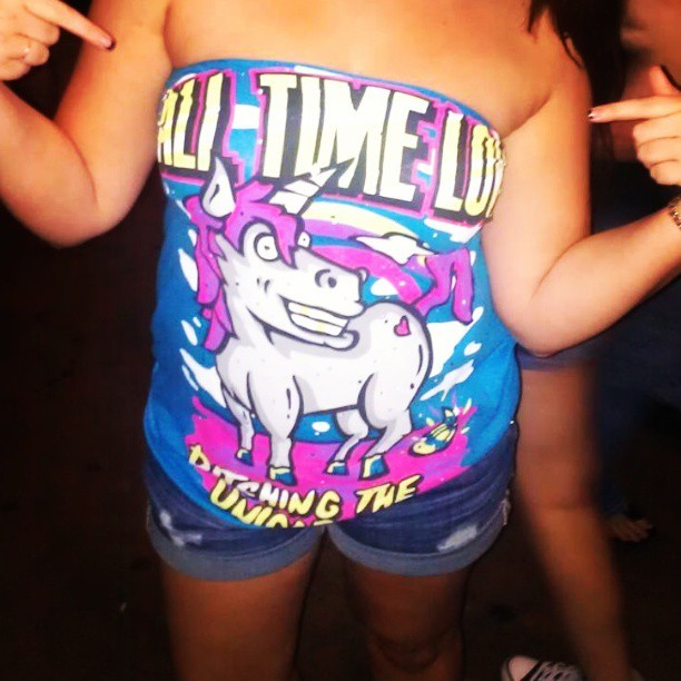 My men are on next! #atl #alltimelow #unicorns #bestshirtever #katygetsbestfriendaward @katyoffthewall