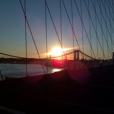 The #BrooklynBridge series. On the way home from 5am crit training at #grantstomb. #sprintinglegs #toasted #fried