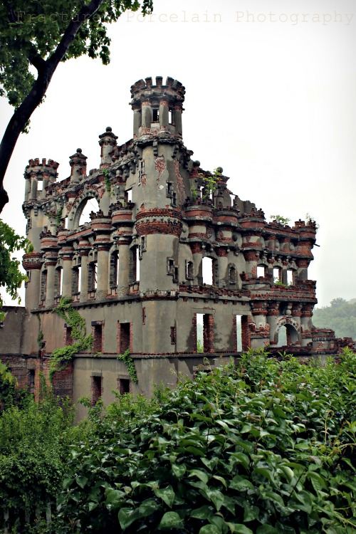 Abandoned Bannerman IslandCopyright © 2013 Fractured Porcelain Photography http://www.facebook.com/fracturedporcelainphotography