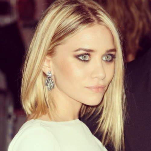 #ashleyolsen #loveher #fashion #beauty #makeup #inspo #inspiration #diamond #earrings #iwantthem