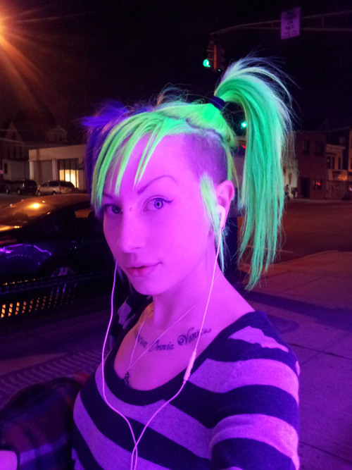 porphyriasuicide:  When I walk by metro pcs my hair goes nuclear. o_O