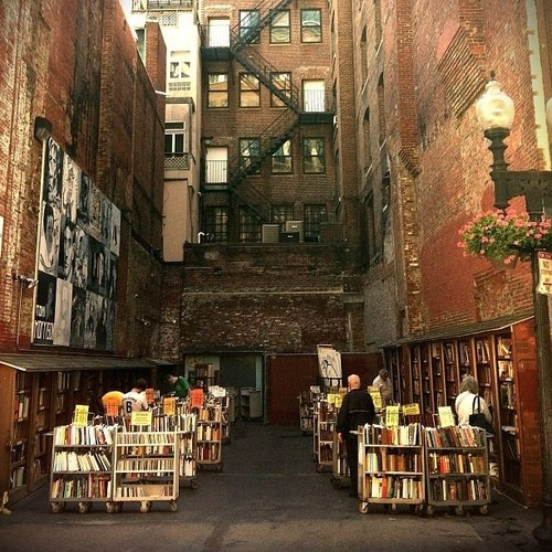 bluepueblo:  Outdoors, Brattle Book Shop, Boston, Massachusetts photo via nd