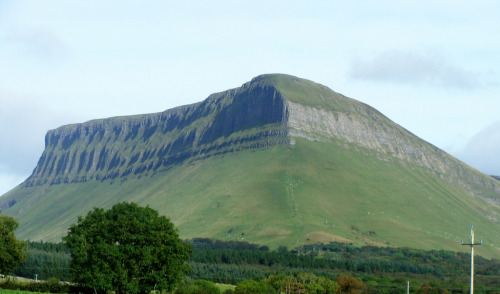 dorasireland:  Benbulbin ~ Sligo ~ Ireland (by CreepyGreepy)