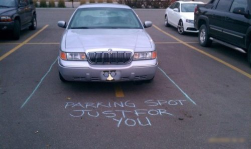 Scumbag Car Gets A Note That eight-year-old with sidewalk chalk was PISSED.