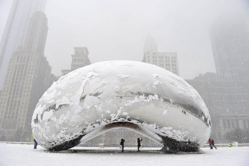 wowgreat:  Anish Kapoor, The Silver Bean