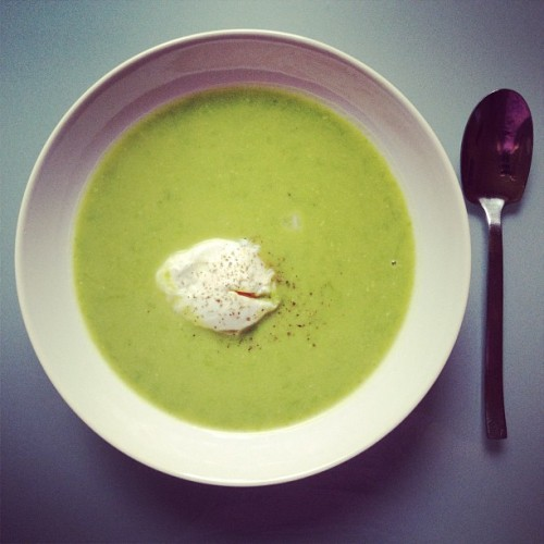 #green #peas #creamy #soup with #poached #egg