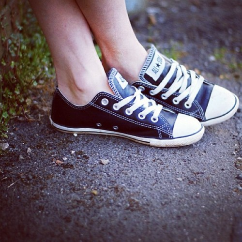 The shoes on my feet in today's New #outfit post! ☺ #converse #sneakers #blog #style