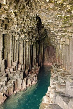 earth-phenomenon:  Fingal's Cave. Staffa, Scotland.