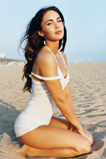 chiefxwill:  Check out Mesmerizing Pics of Megan Fox! We think #1 is breathtaking! - ad http://bit.ly/WsLzQZ