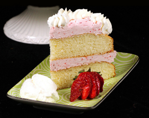 clottedcreamscone:  Strawberry Slice of Cake by IrishMomLuvs2Bake on Flickr.