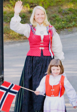 Through the Years → Mette-Marit, Crown Princess of Norway (317/∞)  17 May 2009 | Princess Mette-Marit and Prince Haakon Magnus celebrate Norway's national day at The Royal Palace in Oslo, Norway. (Photo by Ragnar Singsaas/Getty Images) #Crown Princess Mette Marit #Norway#2009#Ragnar Singsaas#Getty Images #through the years: Mette Marit
