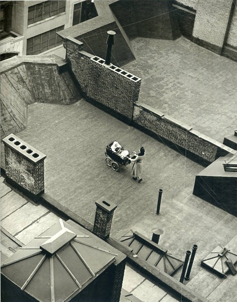 Roof Baby, New York, Martin Munkacsi, 1940