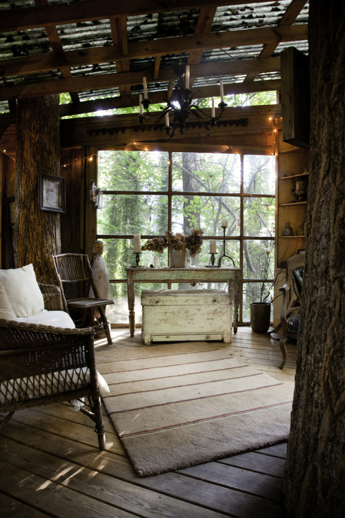 Treehouse by Peter Bahouth | Posted by CJWHO.com