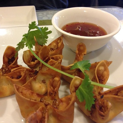 Fried wonton?? Yes I'll take 6 please #foodporn #nofilter #Vietnamese #maivietnamese #friedwontons