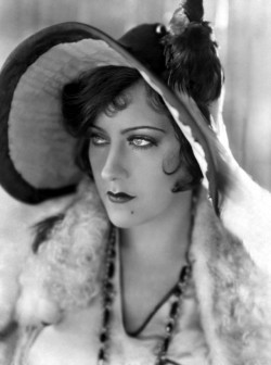 Happy Birthday, Gloria Swanson (March 27 1899-April 4, 1983 http://thehairpin.com/2012/10/scandals-of-classic-hollywood-the-gloria-swanson-saga-part-one