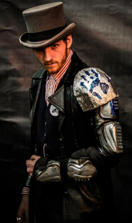 milwaukeesteampunksociety:  Dobbs of the Blue Hand Society from Concinnity's photo booth.