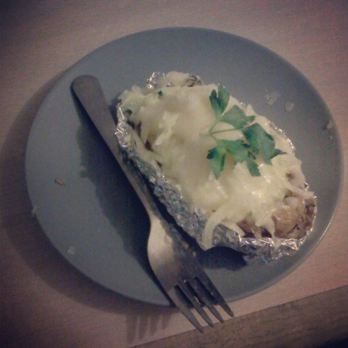 #bakedpotatoe made by my little sis Asma, for meeee <3