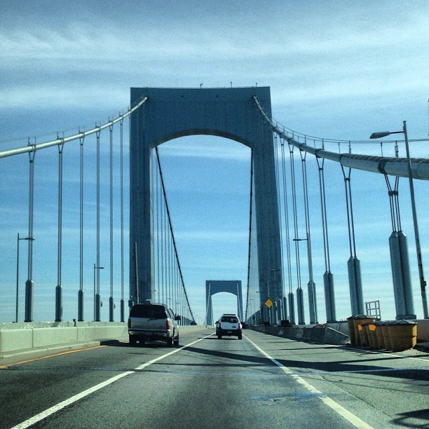 Beautiful day to be driving in New York! #spring  (at Throgs Neck Bridge)