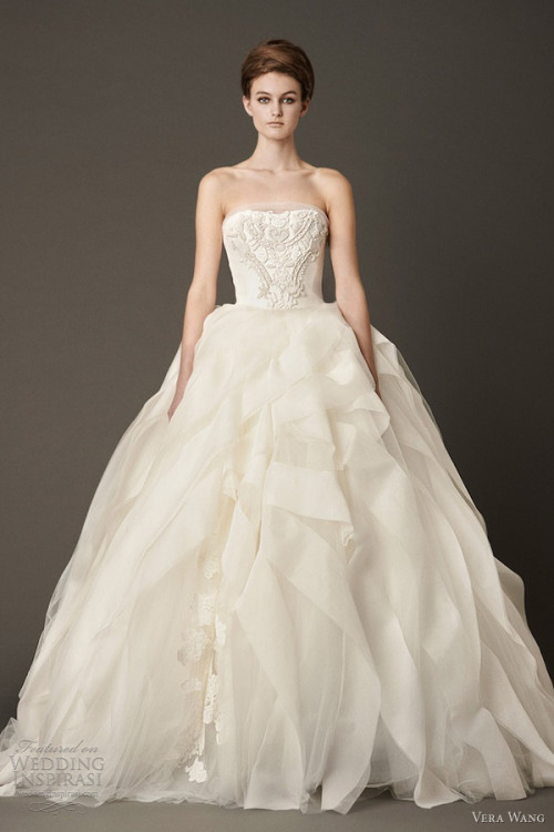 wedding-obsession:  This is my favorite. Vera Wang Fall 2013.