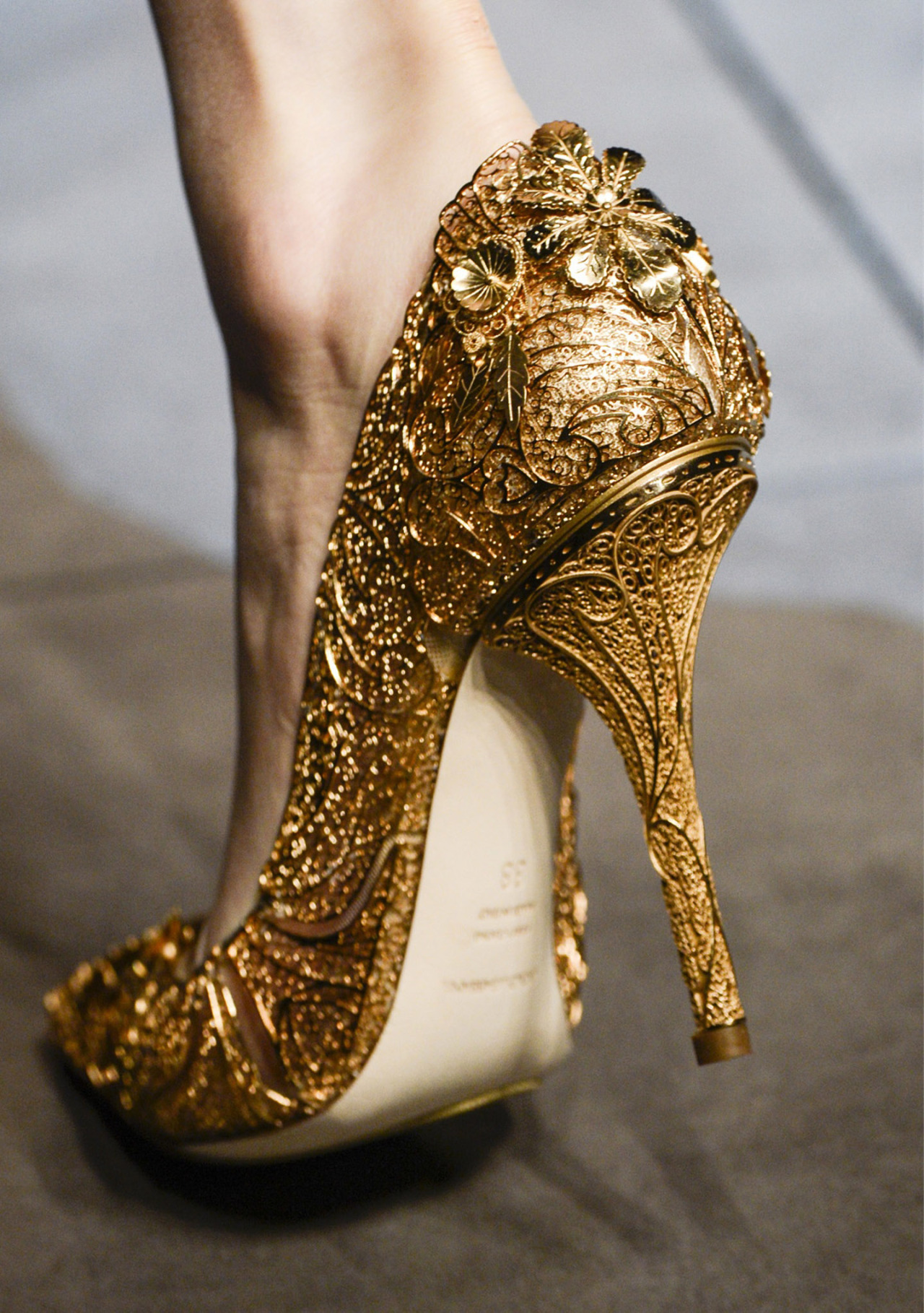 stopdropandvogue:  Dolce & Gabbana Fall/Winter 2013
