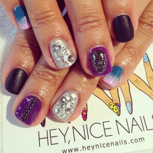Tough/girly mixed #gel mani #nailart #chains #skulls #matte #ombre #blingbling #lbc  (at Hey, Nice Nails!)