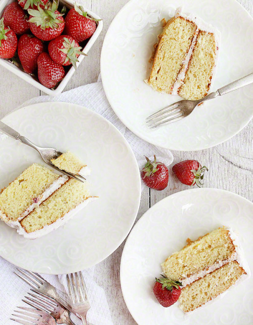 confectionerybliss:   Strawberry Lemonade Cake