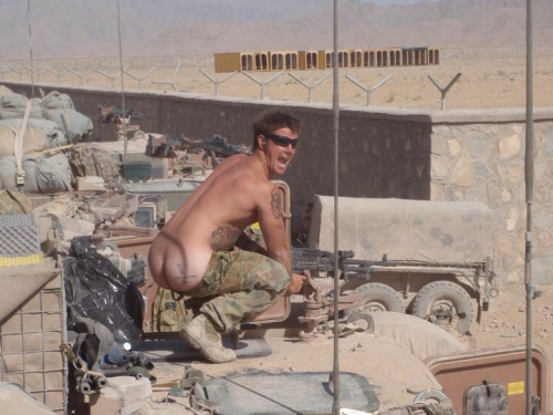 dirtyotter:  Hot military ass