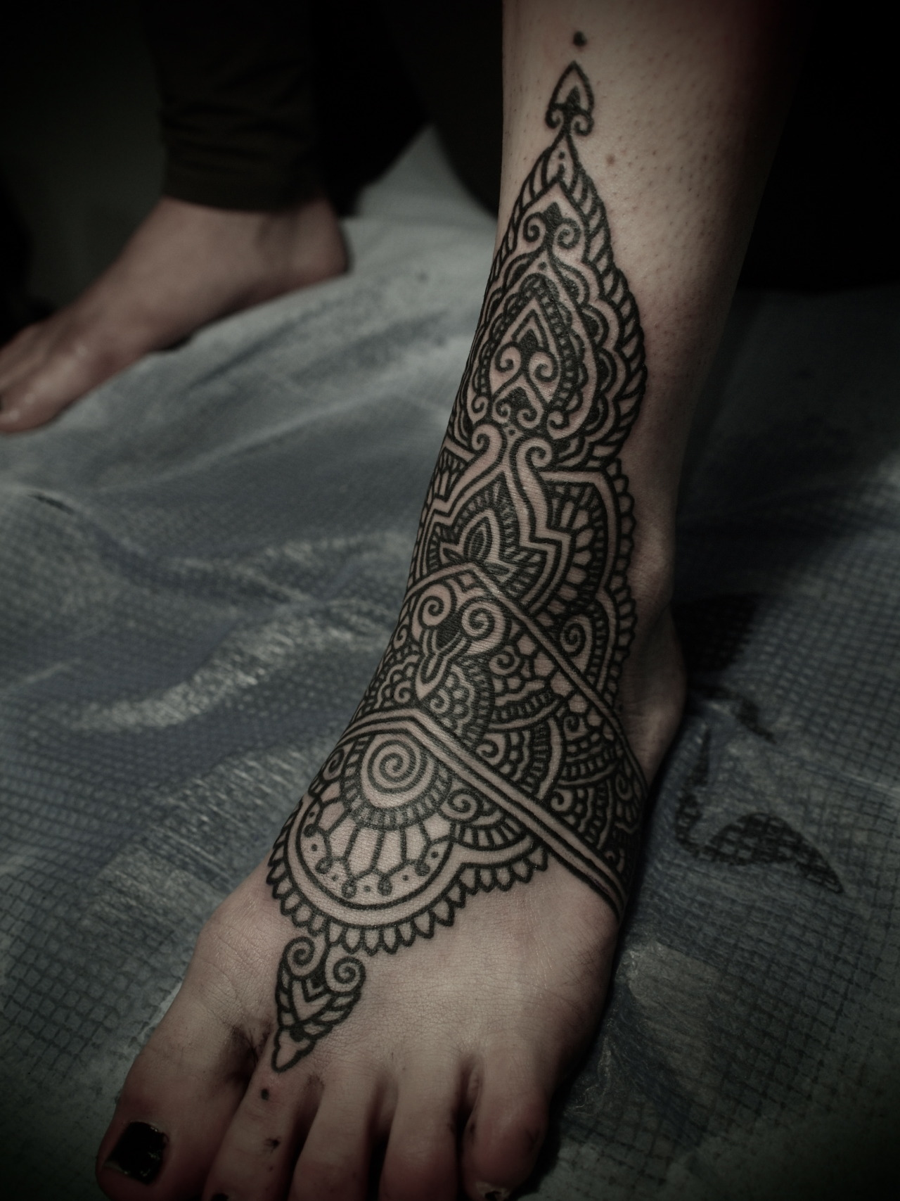 guyletatooer:  Mehndi . Done in Nouméa .