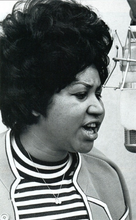 theswinginsixties:  Aretha Franklin  get.it.girl.