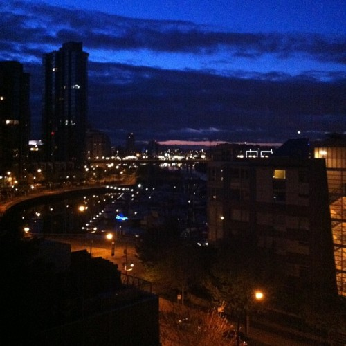 It's five o'clock in the morning💤 #5am #vancouver #vancity #nofilter #view #scenic #beautiful #city #nocomplaints